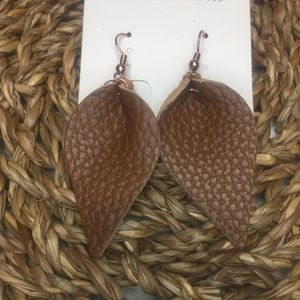 NIP Brown leather leaf earrings. 🍃